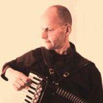 Accordeonist Violist Pianist bij Uitvaartplechtigheid, Live Uitvaartmuziek Begrafenis Crematie